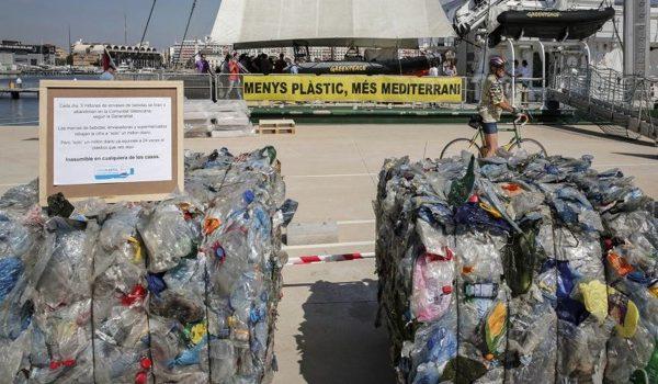 El Plástico Invade El Mediterráneo