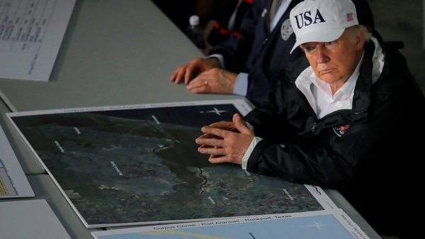 El Entorno De Trump Ridiculiza La Relación Entre Harvey Y El Cambio Climático