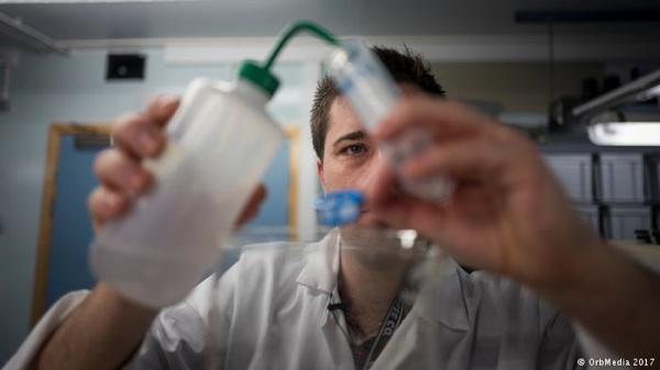 Las Fibras De Plástico Invaden El Agua Potable