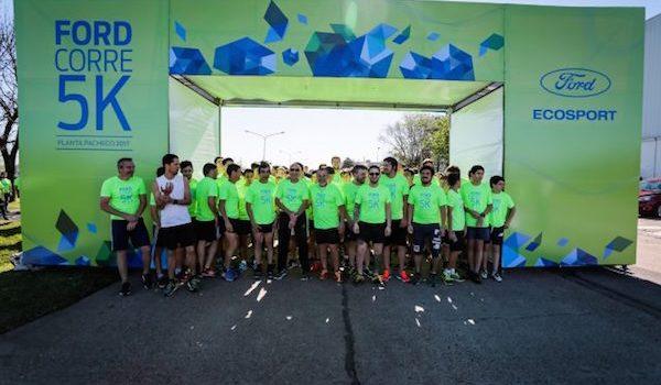 Empleados De Ford Colaboran Con La Comunidad Y El Ambiente En El Mes Del Voluntariado