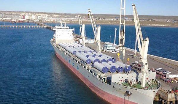 Ya Está En Puerto Madryn La Primera Carga De Molinos Eólicos De Aluar
