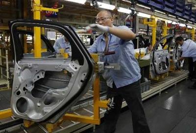 China Prohíbe La Fabricación De 553 Modelos De Coches Por Su Elevado Consumo
