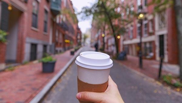 Reino Unido Declara La Guerra A Los Vasos De Café Desechables