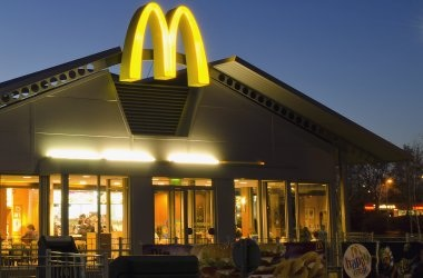 Para El Año 2025, Todos Los Envases De McDonald's Provendrán De Fuentes Renovables, Recicladas O Certificadas