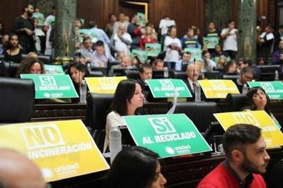 Escándalo Y Repudio Ante La Promulgación De La Ley De Incineración De Basura En CABA