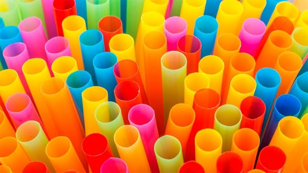 Disney Le Hace La Guerra Al Plástico Desechable