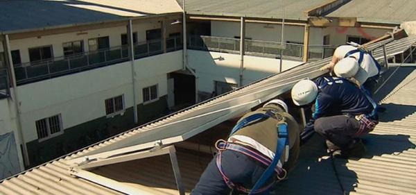 Alumnos De Zárate Instalaron Paneles Solares En La Escuela