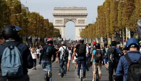 Las Calles De París Quedaron Sin Autos Ni Motos Y La Contaminación Se Desplomó