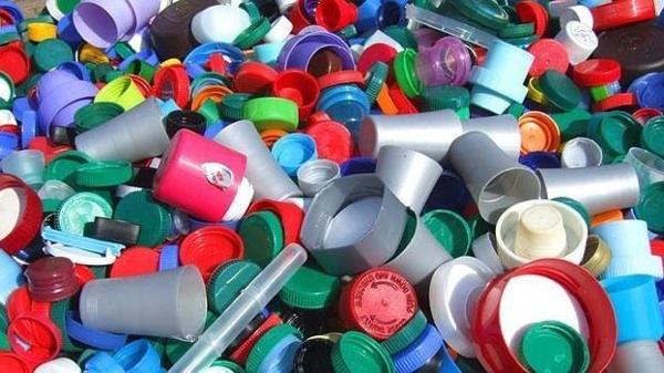Decenas De Multinacionales Se Comprometen En Indonesia A Reducir El Plástico Que Usan
