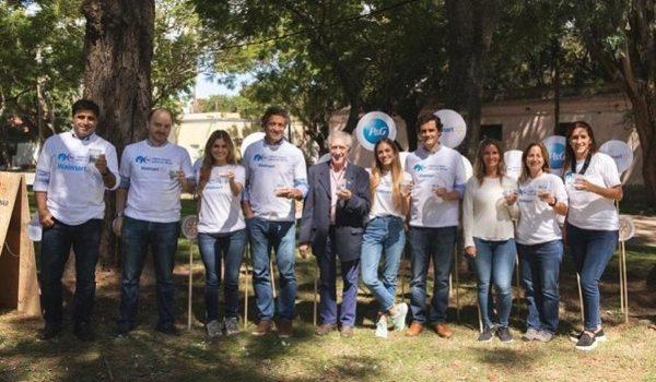 """P&G Junto A Walmart Renuevan Su Compromiso Con El Programa """"Agua Limpia Para Los Niños"""""""