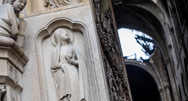 Alertan De La Contaminación Con Plomo Tras Incendio En La Catedral De Notre Dame